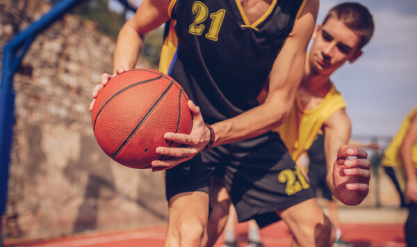 How to prevent and deal with Basketball injuries